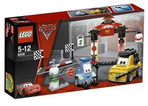 Lego 8206 Cars Los Boxes En La Carrera Tokio
