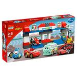 Lego Cars 2, Parada En Boxes