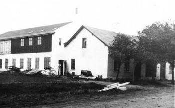 Casa-taller de Ole y familia (1924)