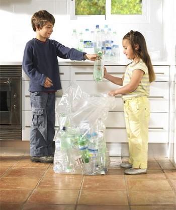 Enseñando a reciclar basura
