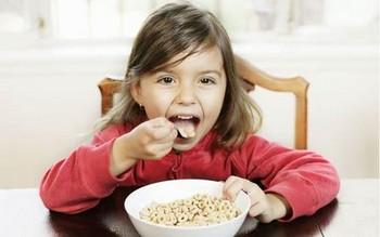 El desayuno d elos niños